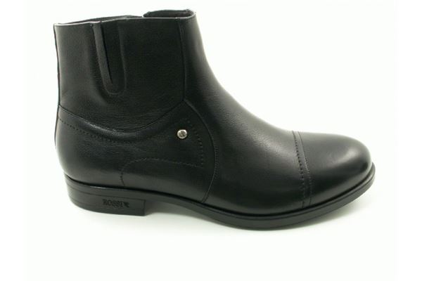Socket black sports with sheepskin lining and side zipper, rubber sole. Look sporty and aggressive!