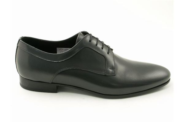 Derby made of printed patent gray, striped effect. Ideal for the ceremony.