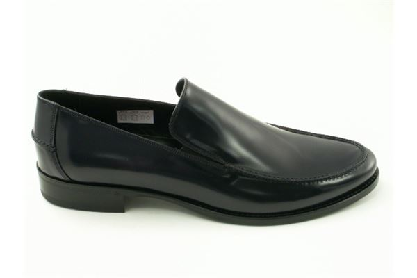 Moccasin leather leather bottom. A timeless classic for the man who wants to stand out.