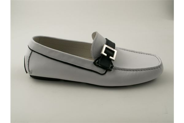 Moccasin two-tone soft white leather with nickel buckle, rubber bottom. Extremely comfortable and lightweight.